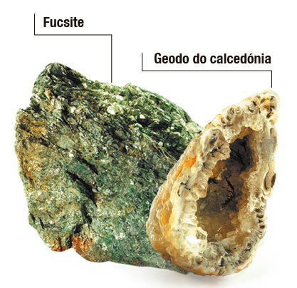 Fucsite e geodo do calcedónia